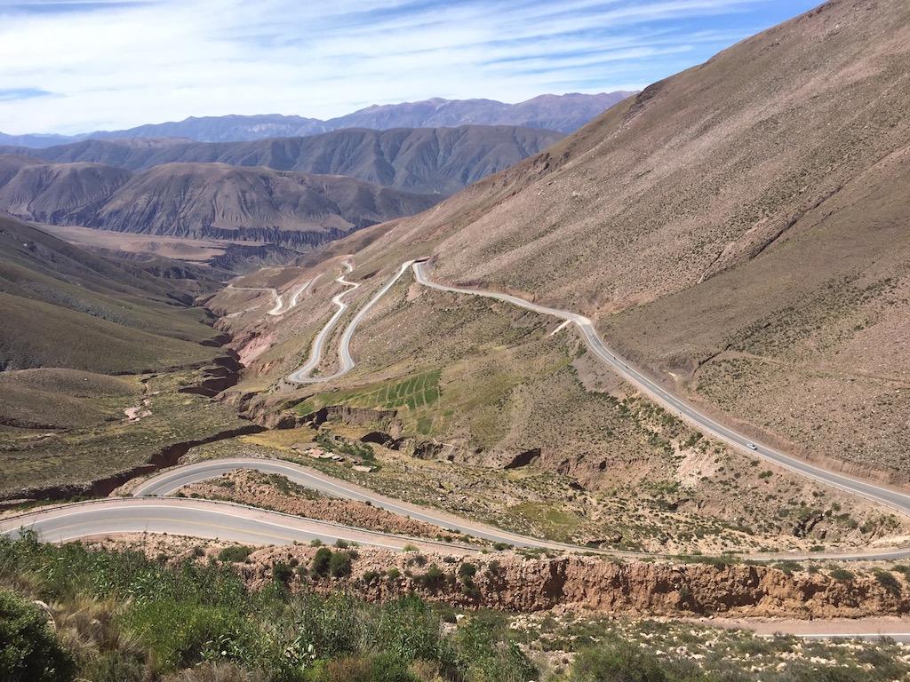 und die Serpentinen zurück nach Purmamarca, 2'400MüM