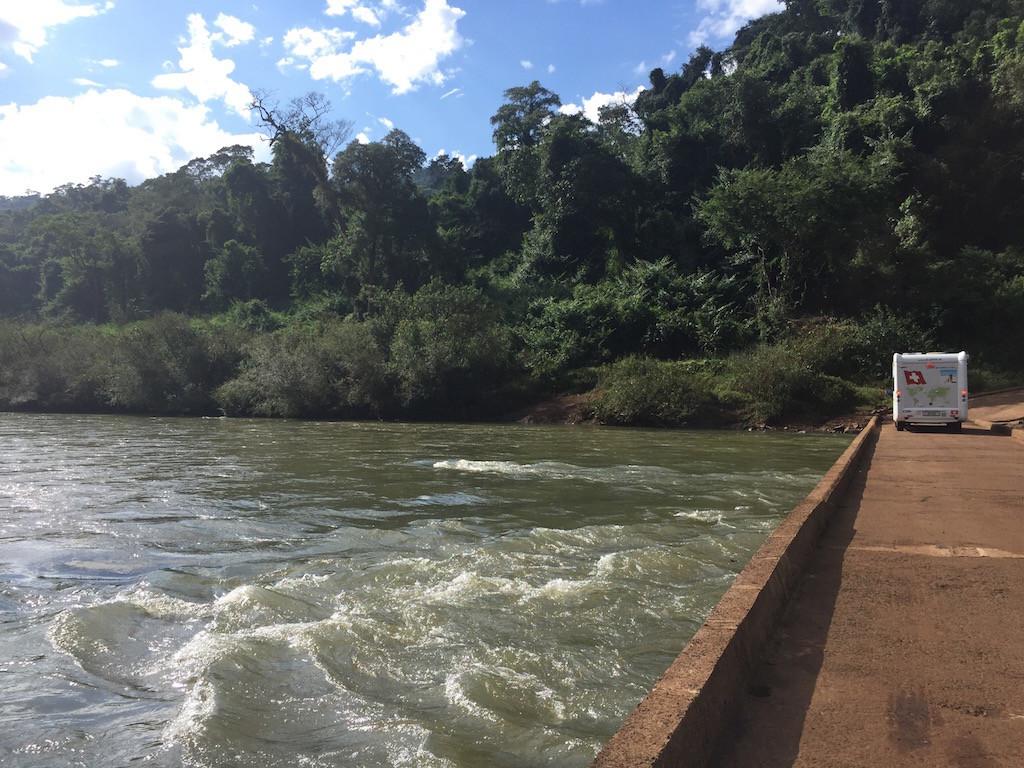 Auf dem Weg zum ca. 3 km langen längsdiagonalen Wasserfall Moconá!