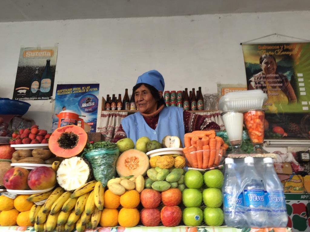 Ein Jugo (mit Wasser oder Milch) gibt es für uns bei jedem Marktgang!