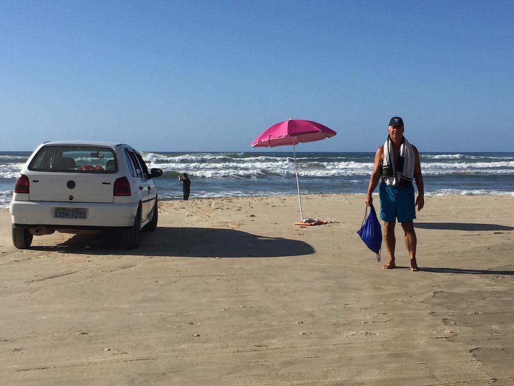 am liebsten würde der Brasilianer gleich mit dem Auto baden gehen....