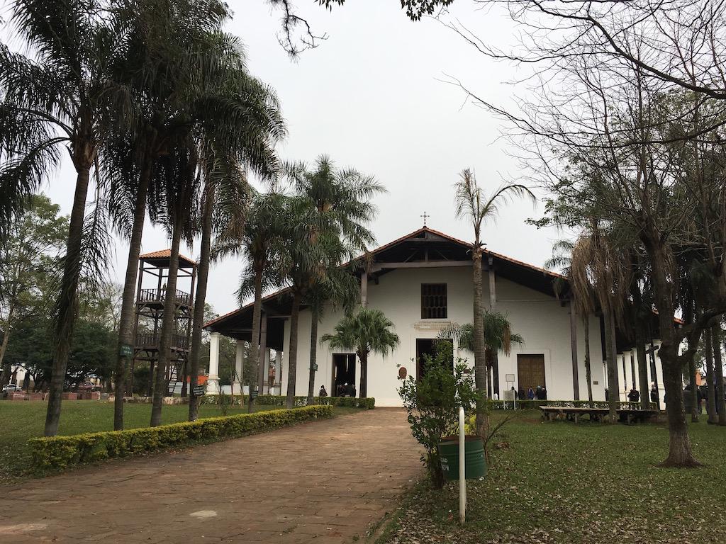 Yagarón: die schöne Franziskanerkirche aus dem 18. Jh.