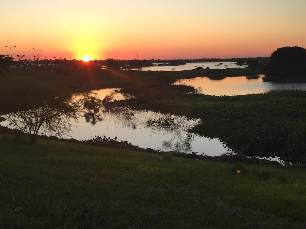 Herrlicher Sonnenuntergang am Rio Paraguay!