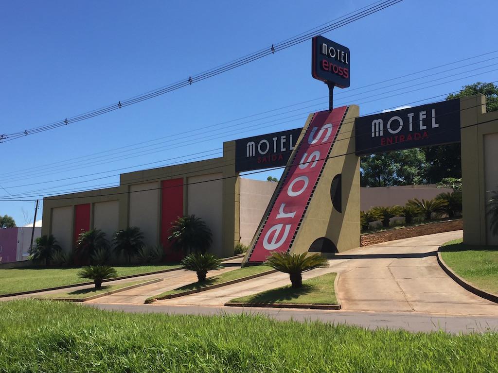 ... und wieder sehen wir ein 'Liebes'-Motel!