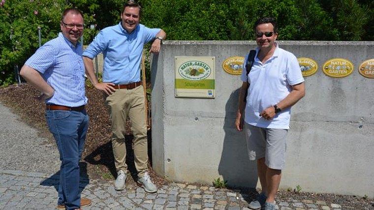 Foto von links: GfGr Franz Aigner, LAbg Christoph Kaufmann und Bgm. Wolfgang Benedikt