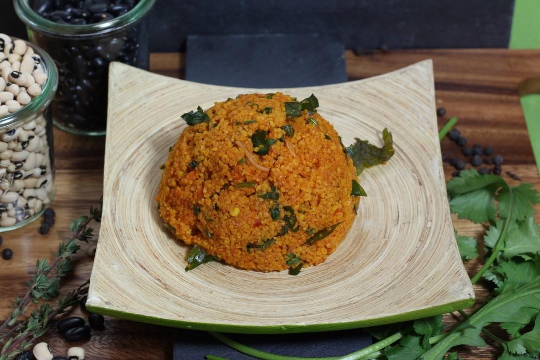 KusKus - Cous Cous Salat mit Petersilie, Tomatenstücken