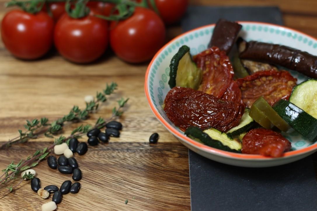 Antipasti - Getrocknete Tomate, Aubergine, Zuchini, Jalapenious