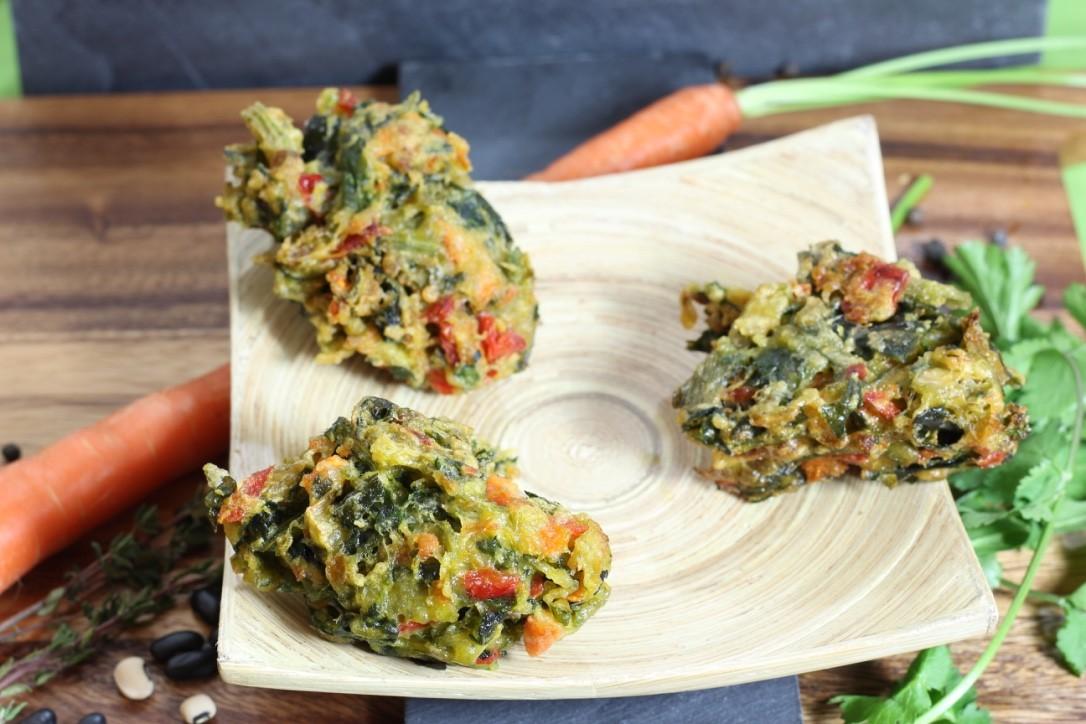 Mezemburger - Paprika, Spinat, Karotte, Ei und gesundes Gemüse geknetet, gerollt und leicht fritiert