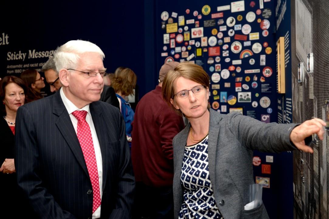Dr. Isabel Enzenbach im Gespräch mit Dr. Joseph Schuster, Präsident des Zentralrates der Juden in Deutschland ©Wolfgang Siesing/Deutsches Historisches