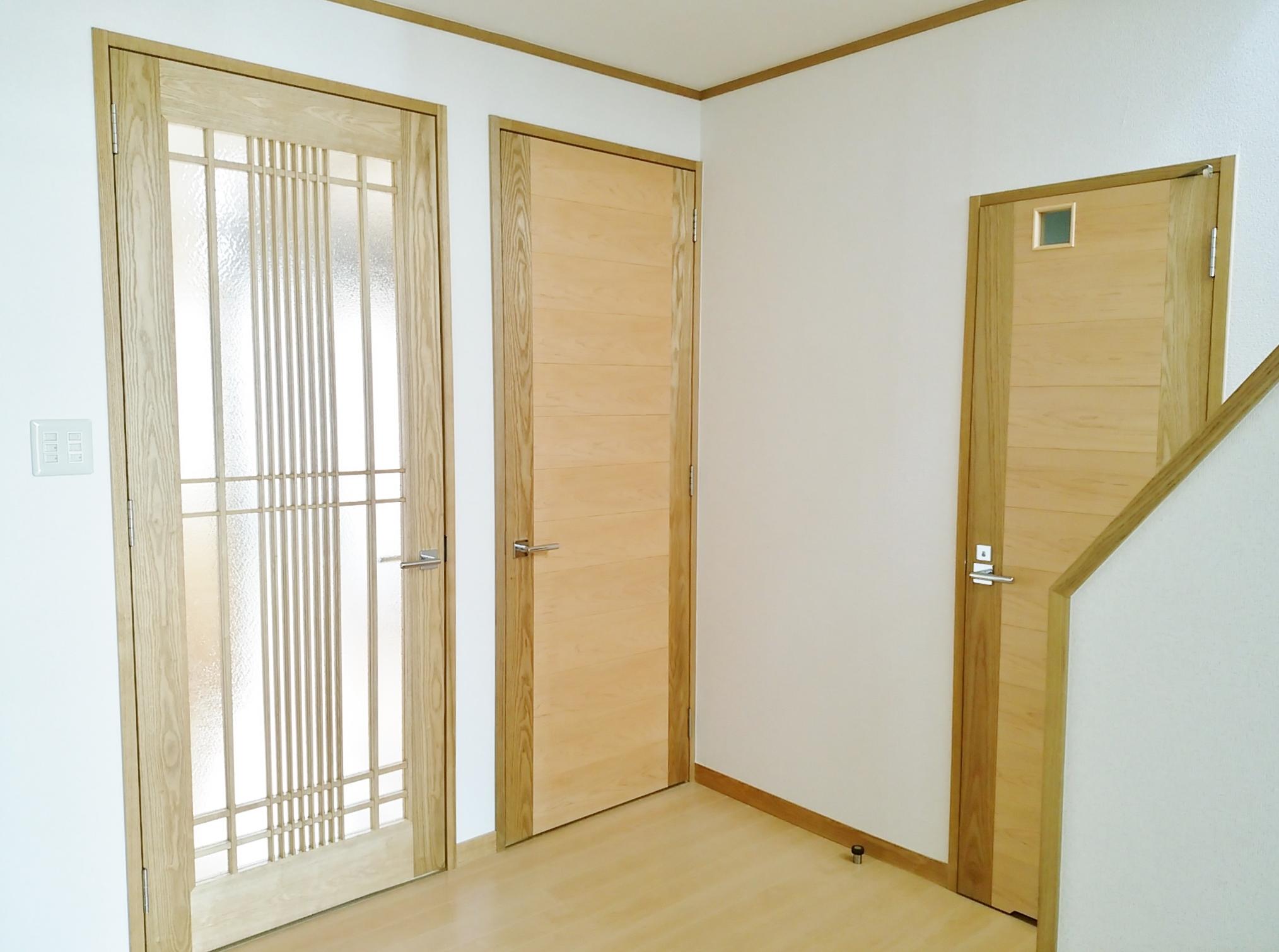 格子 ガラスドア 桜 つき板 ドア