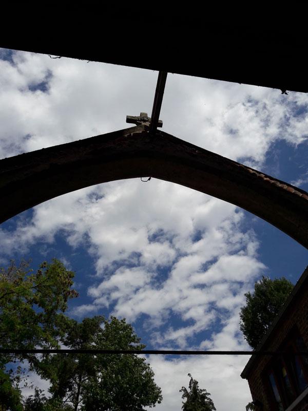 23/07/2020 La chapelle de Profondsart, le portail déshabillé!