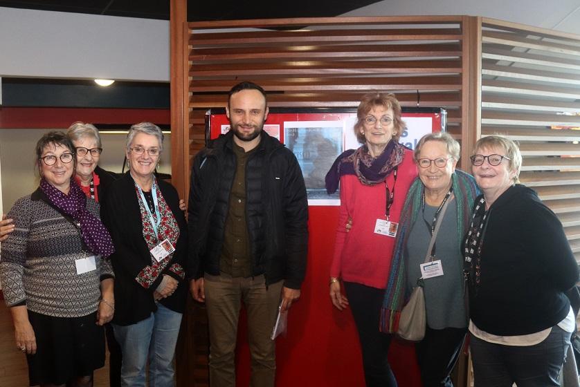 Ciro Formisano, réalisateur de l'Esodo en compagnie de membres de CSF