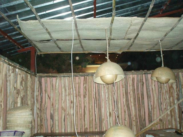 Casabar i Pirates club, Bamako 2008. (Detaljer)