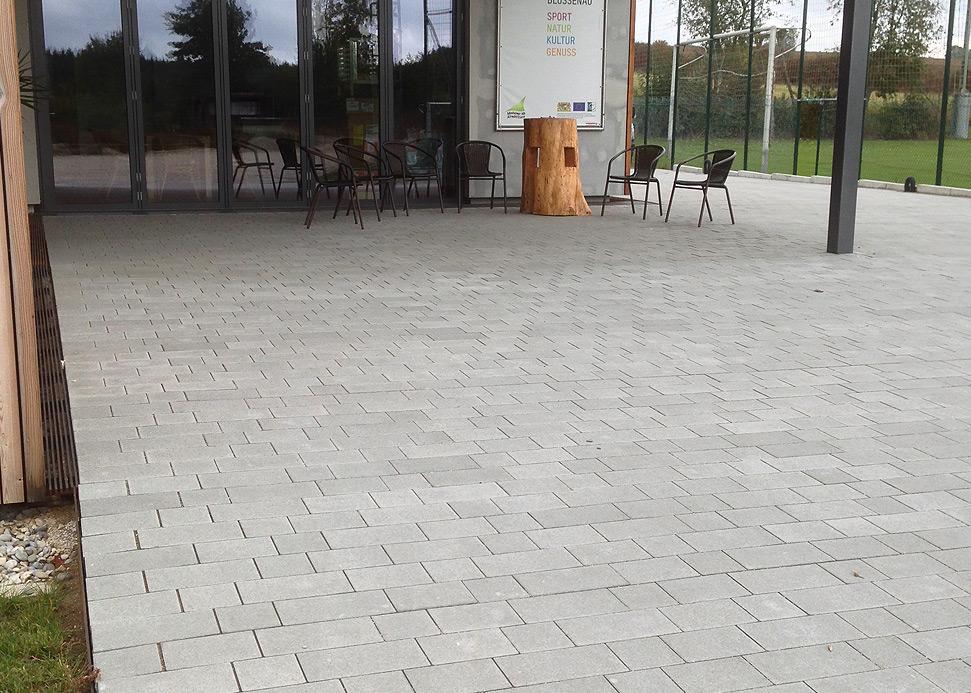 Marktstraße naturgrau
