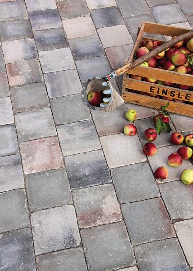Burghof grau-marmoriert