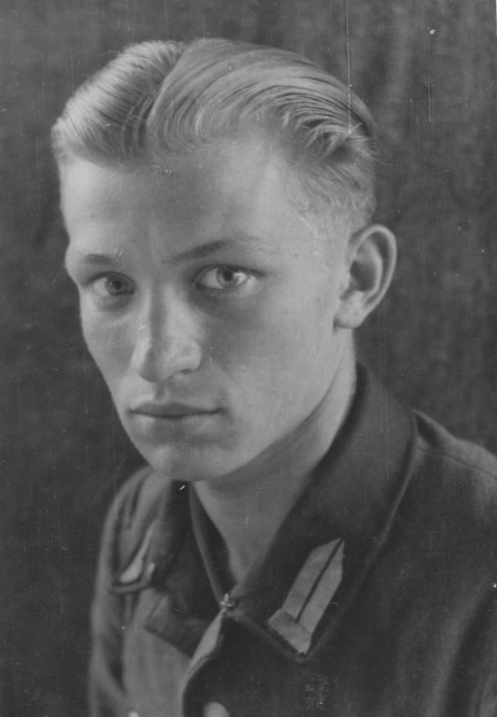 JUnger Soldat, der kurzzeitig während des Krieges bei Röther Franz gewohnt hat