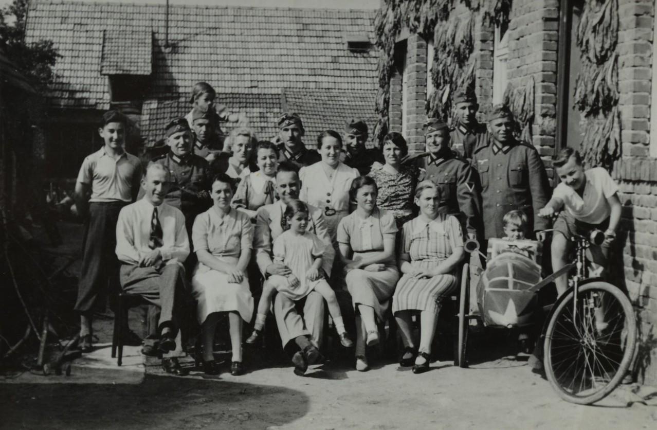 Einquatrierung der Heidelberger Soldaten bei Familie Stadler 1939, Frauenbesuch am Sonntag