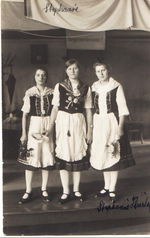 Frauengruppe v.l. Elisabeth Weber, Pauline Henrich und Stefanie Kästel