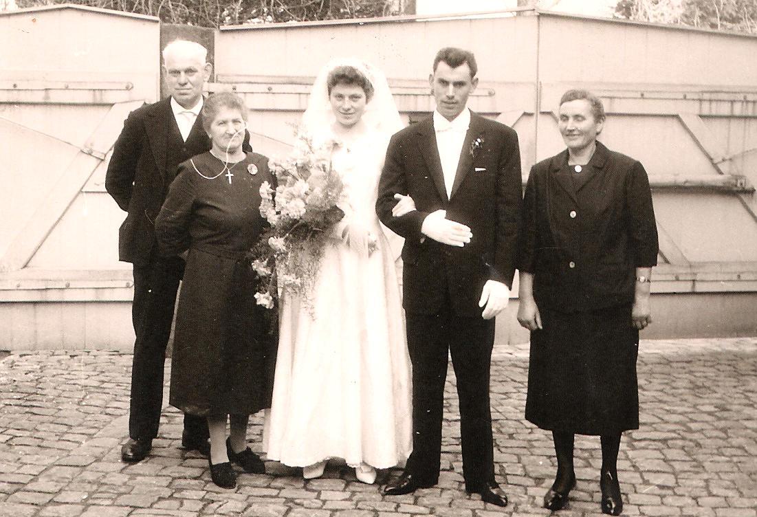 Johanna und Hermann Geiger mit Inge, Willi und Katharina Schneider