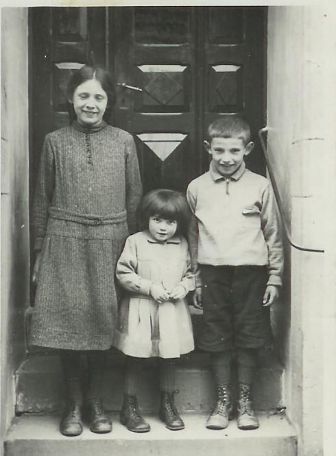 Kinder von Anton und Babet Nebel