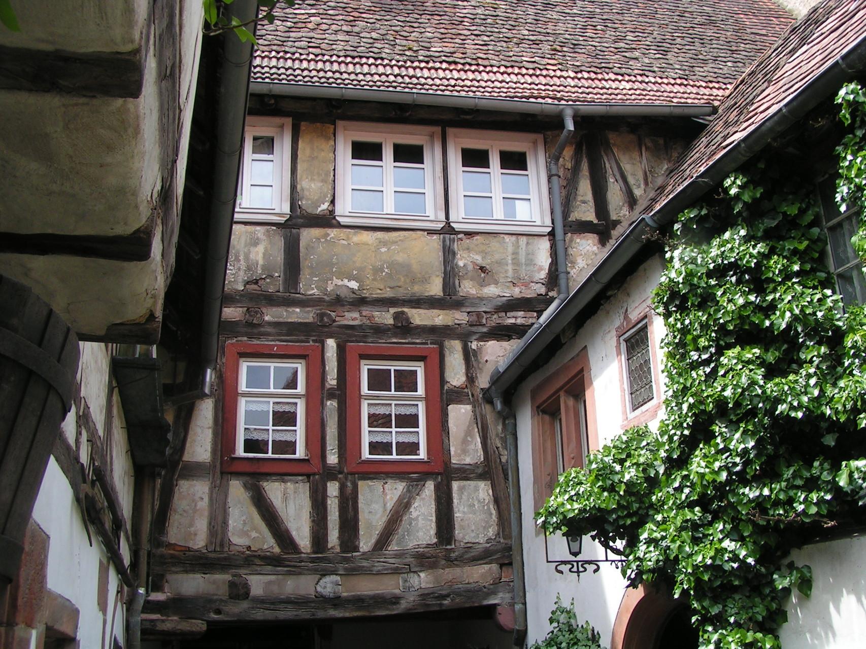 Deteils des ehemaligen Hotels in Weißenburg