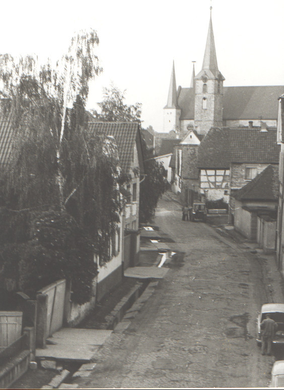 Bahnhofstraße mit Dorfbach, Geitherstraße