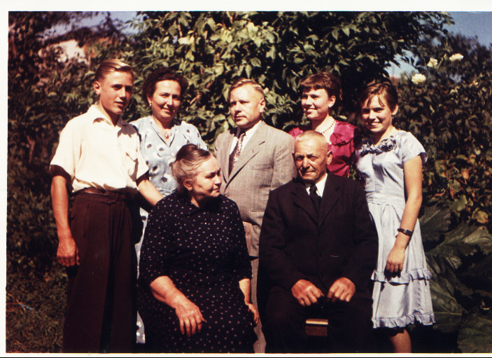 Dr. Viktor Kästel und Familie