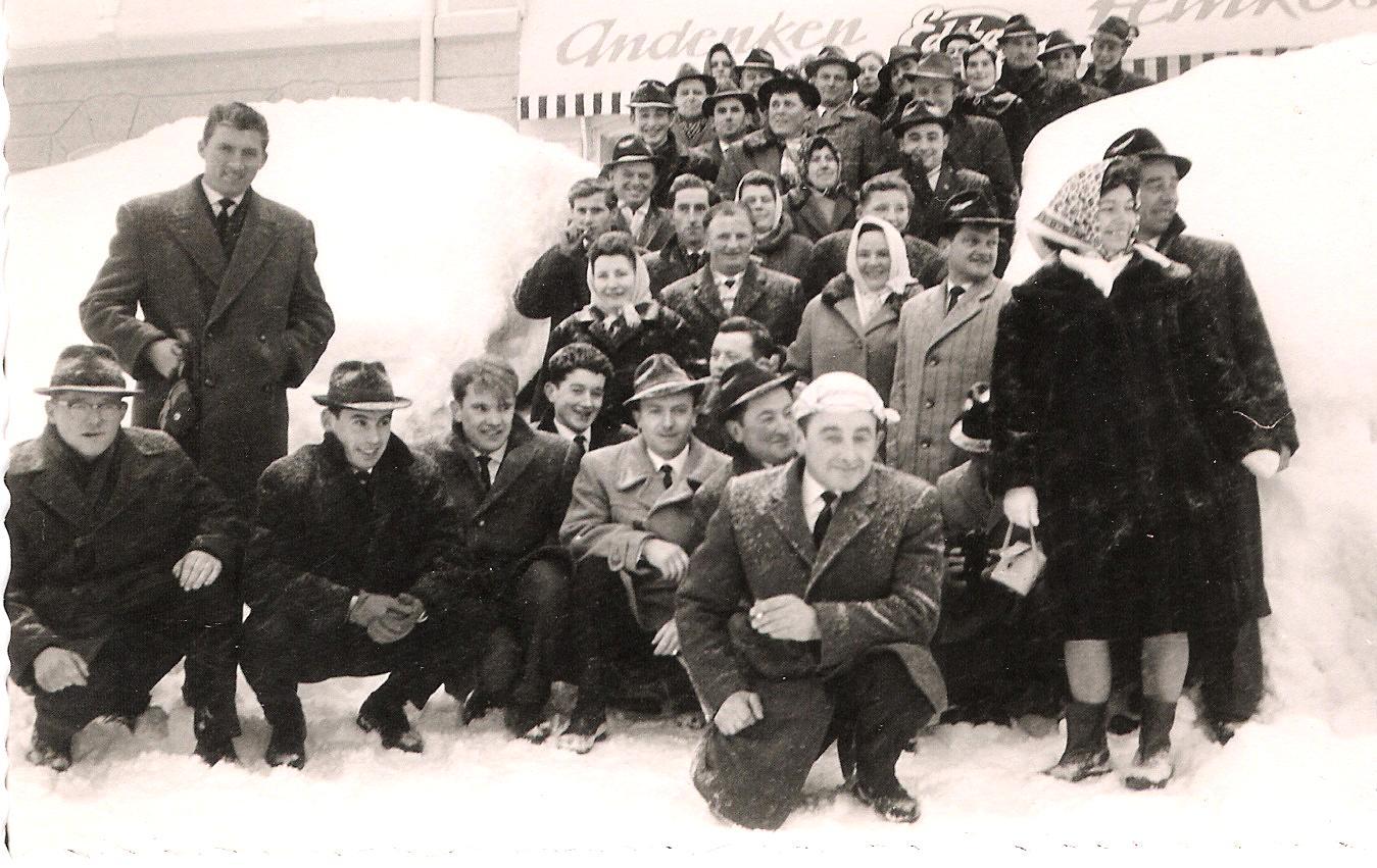 Willi Appel mit Geinsheimer bei der Besichtigung der Firma Fendt
