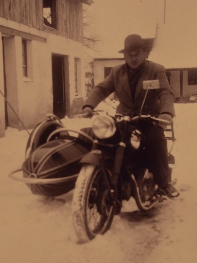 Günter Stadler auf NSU Konsul 350 mit Beiwagen
