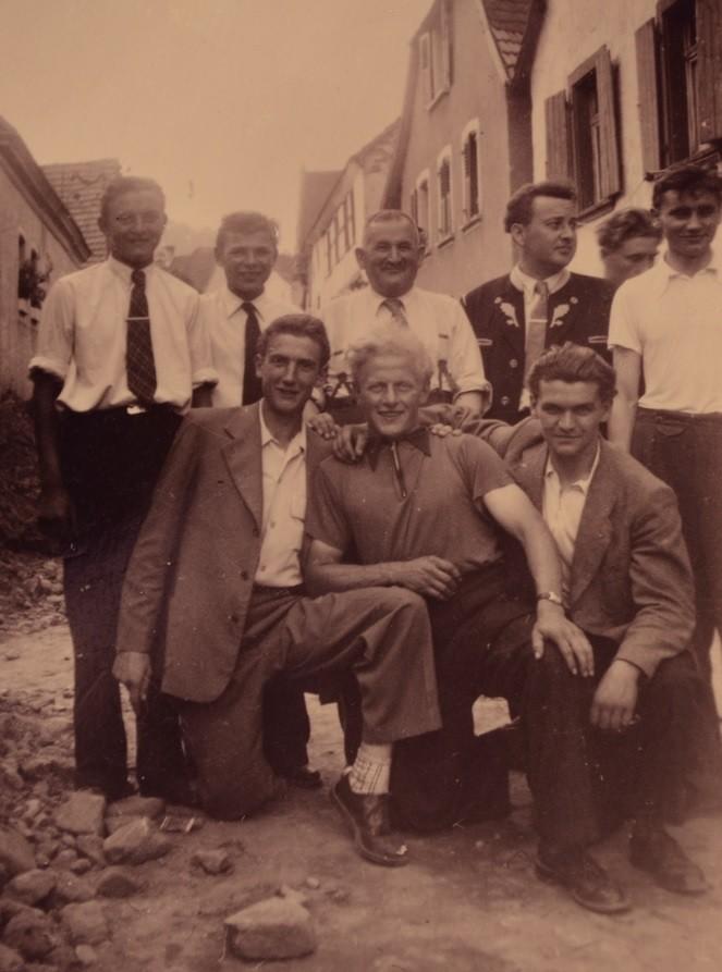 l.o. Emil Werner, Werner Ohmer, Adam Engler, Günther Stadler, Herrmann Kaufmann, l.v. Eugen Seeber, Oskar Kästel, Heinz Gruber