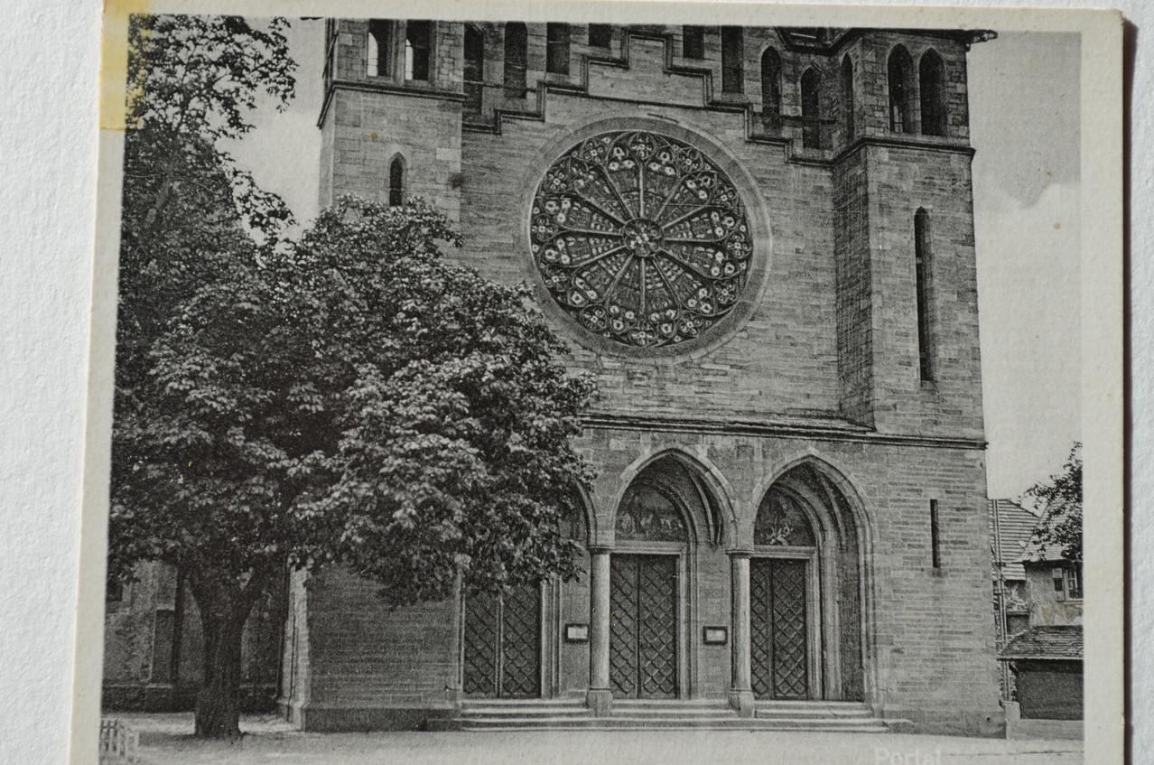 Rosette der Kirche in ursprünglichem Zustand (Einweihung der Kirche1873)