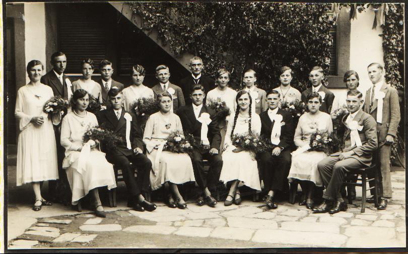 Tanzkränzel Jahrgang ca. 1913 mit Tanzlehrer Karl Eichberger, u.a. Jakob Nett, Karl Eichberger, Oskar Kästel (Schimmelbauer), Josef Sattler, Alfons Steinmetz