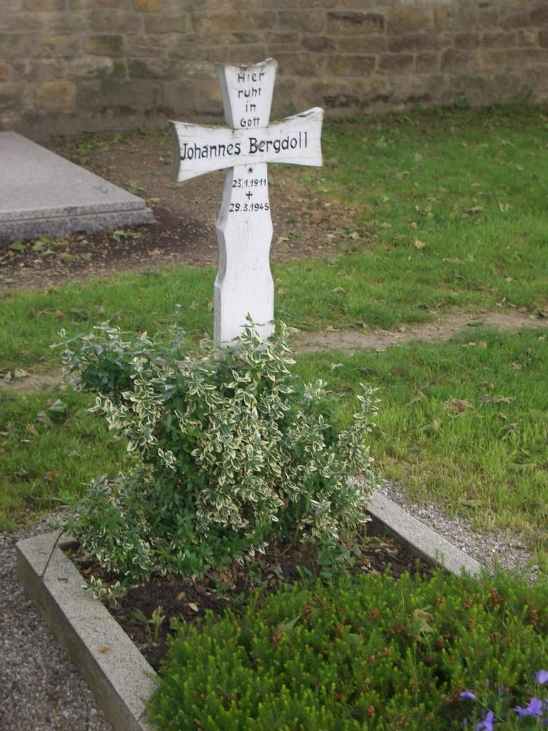 Grab Johann Bergdoll, gefallen am 29.03.1945