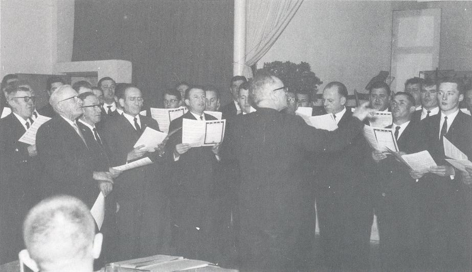 Festchor 1966 mit ihrem Dirigenten Victor Klein beim Dreikönigs-Imbs