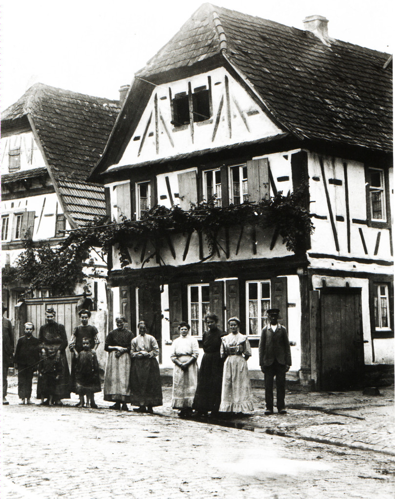Haus der Familie Michael Kästel, später Bender, heute Gäustraße 92