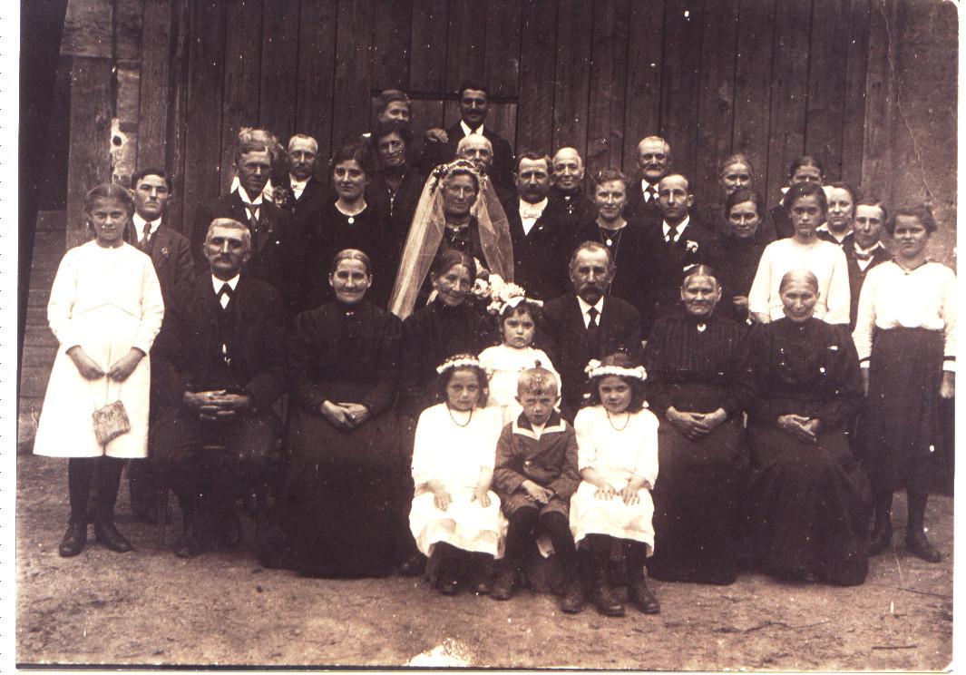 Hochzeit Adam Anton und Frau geb. Zillig; Karl Schneider (später Bürgermeister)und Maria geb. Zillig