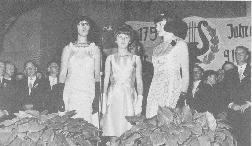 Festdamen 1966 zum 175jährigen Jubiläum: Patricia Weber, Angela Braun, Hildegard Rößler (Sattler)