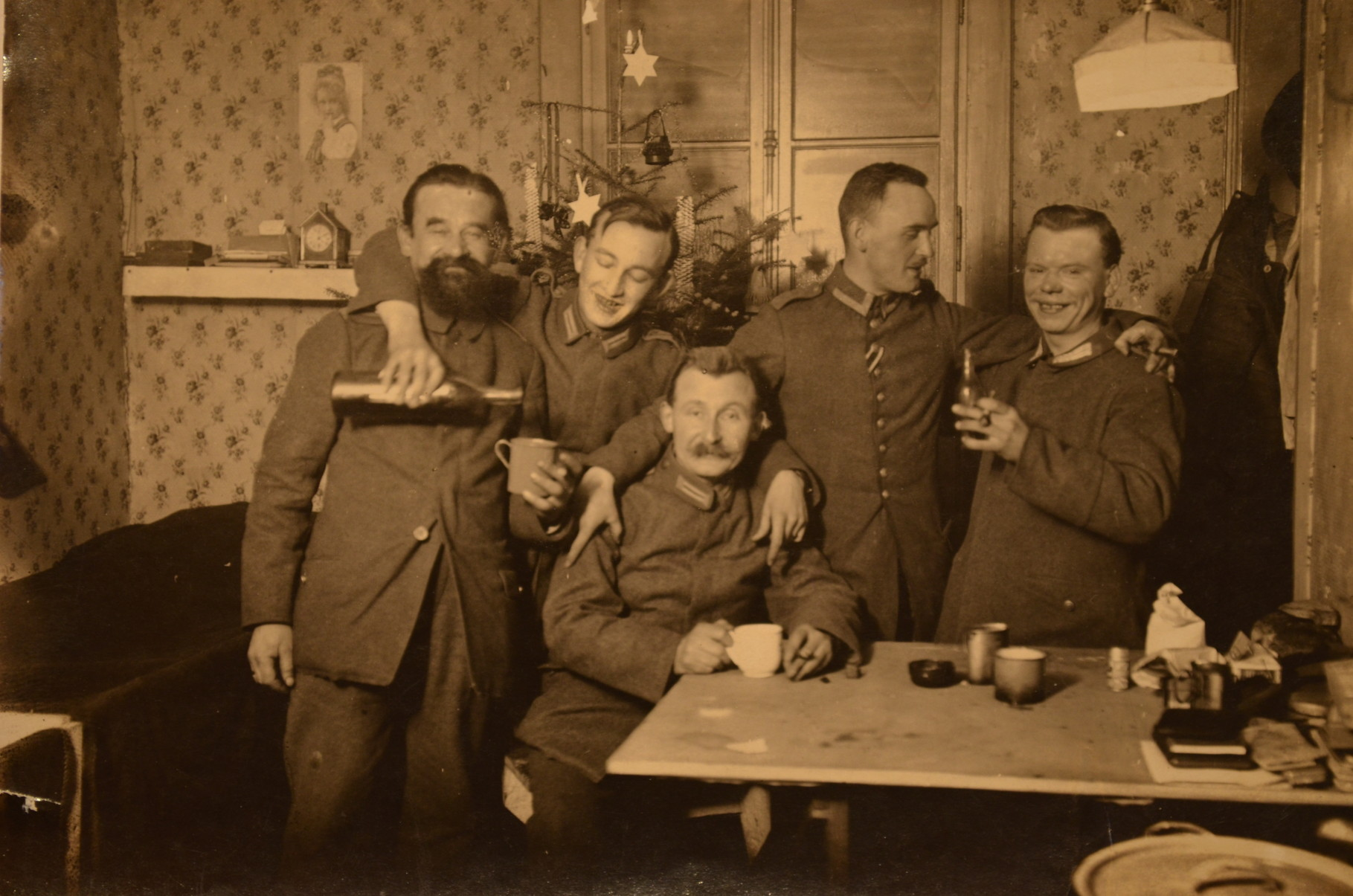 Arthur Stadler mit Kameraden