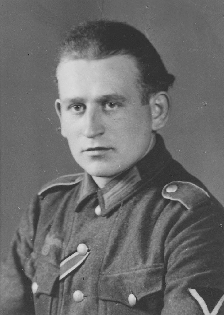 Phillip Adam; Jahrgang 1923
