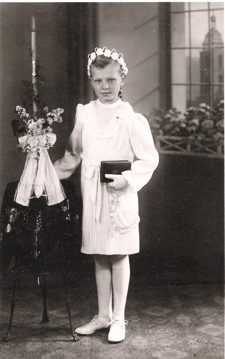 Inge Schneider, geb. Geiger bei der Kommunion