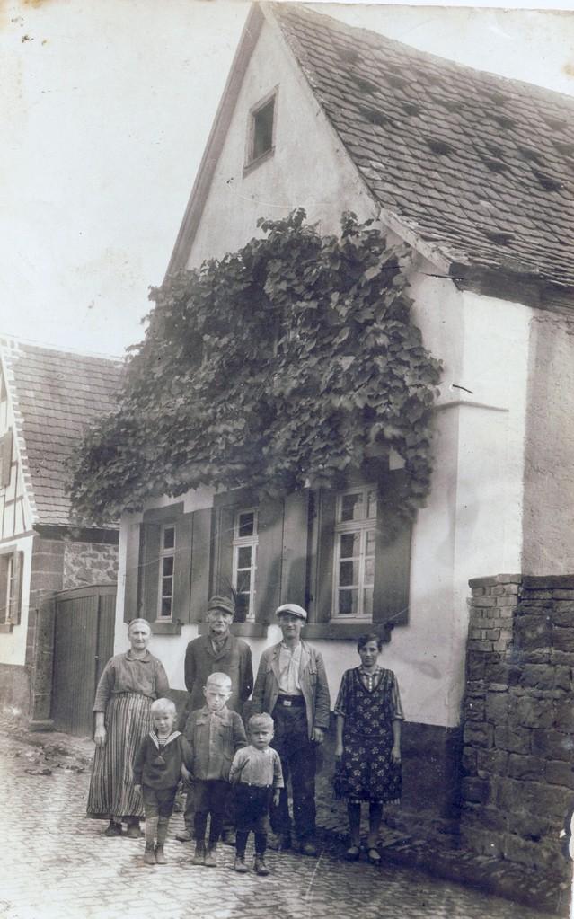 Familie Hilschmann, ca. 1928, Storchengasse 46