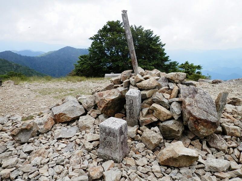 1695m、台高山脈の最高峰。