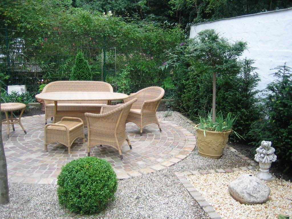 Sitzplatzgarten 16