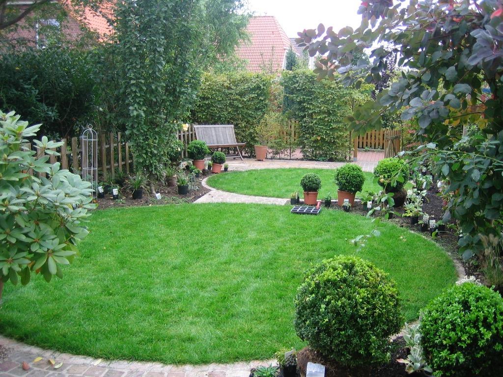 Reihenhausgarten 8