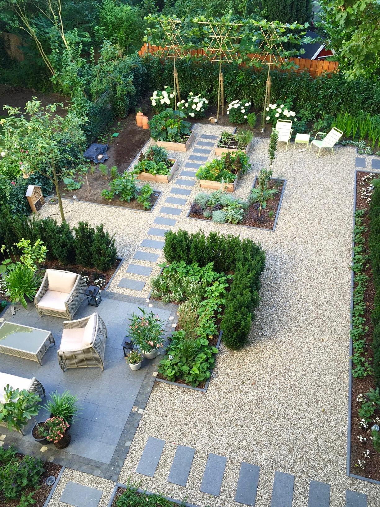 Mehrfamilienhausgarten 4