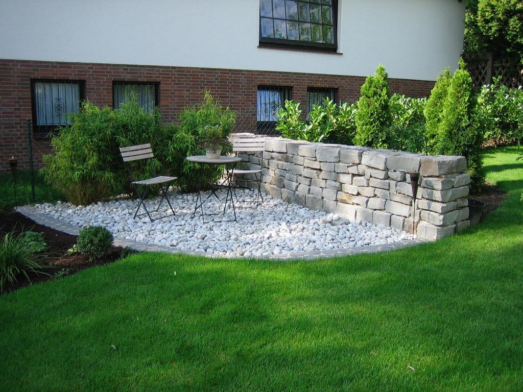 Gartenmauer 8
