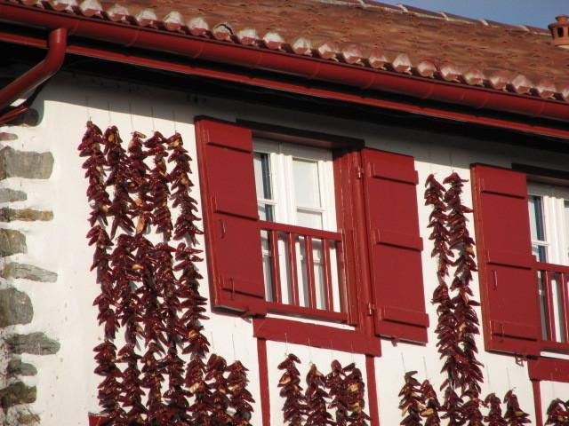 Piments sur façade