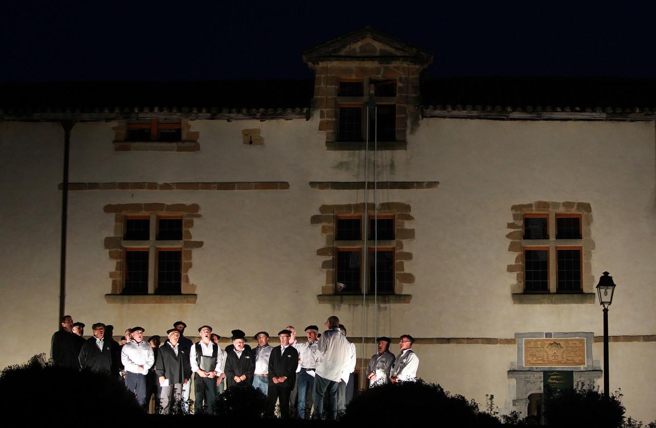 Spectacle ezpeleta site officiel de l 39 office de tourisme d 39 espelette pays basque - Office du tourisme d espelette ...