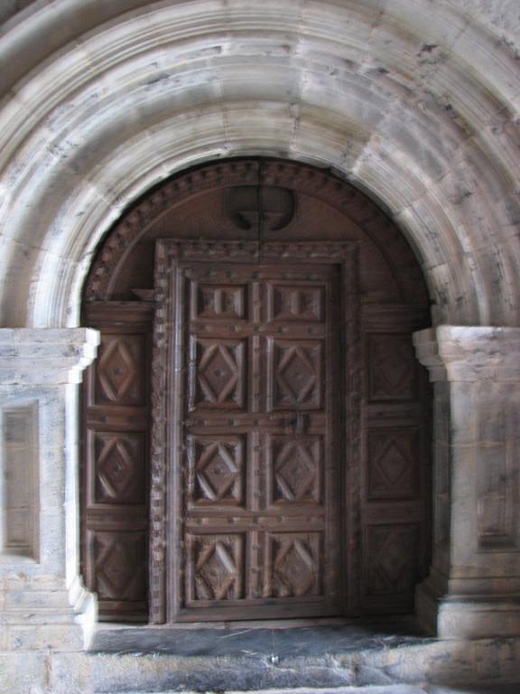 Eglise Jondoni Estebe