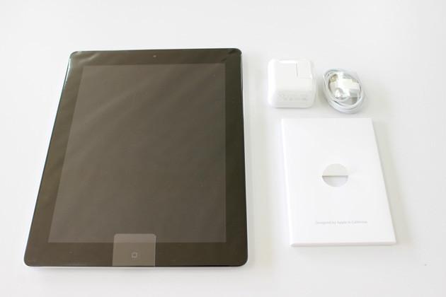 iPad2と付属品の画像