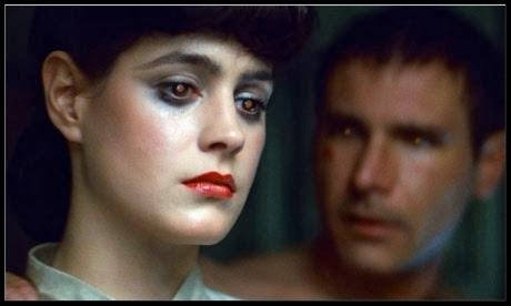El tema del doble en la ciència ficció  través de robots o replicants com a Blade Runner.